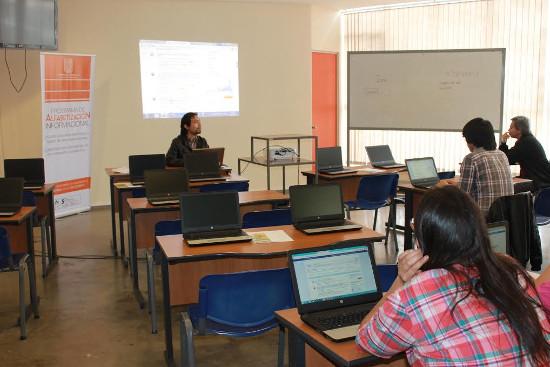 Biblioteca abre cuentas de acceso a base de datos UTA a sus titulados