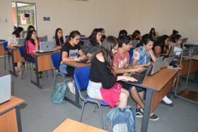 Biblioteca capacita a estudiantes de FACSAL en uso de bases de datos