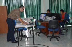 Alumn@s de Ingeniería Informática se capacitan en uso de bases de datos