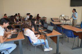 Biblioteca capacitó a estudiantes de Tecnología Médica en uso de bases de datos