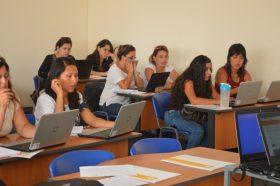 Estudiantes del Magister en Educación se capacitaron en uso de bases de datos